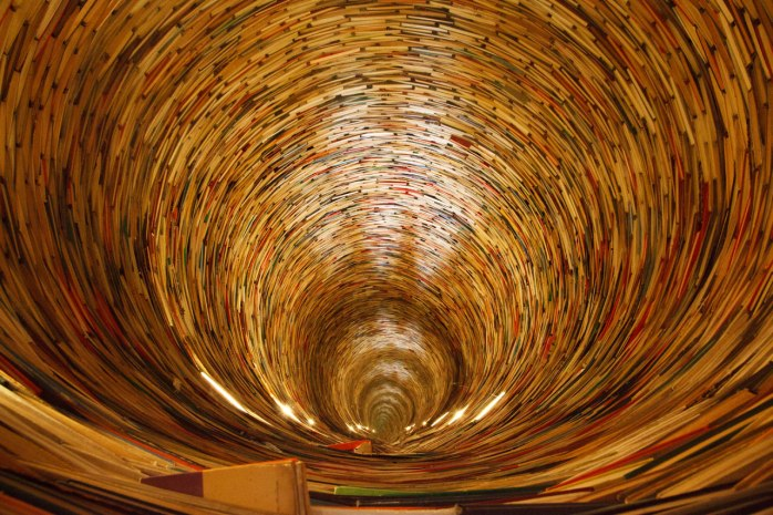 book-tunnel-11287160032j7BO